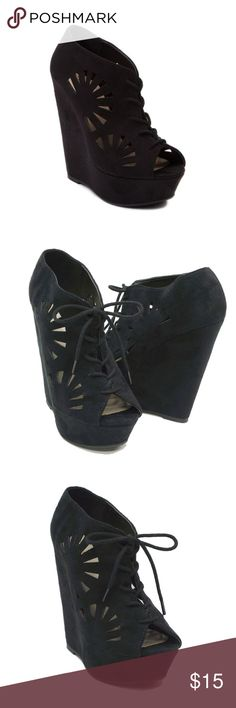 """Journeys Black Lace up PEEP Toe Wedges Sunnie 8 Shi by Journeys Black Lace up PEEP Toe Platform Wedge Sunnie Women's Shoes   Sz 8  Excellent Condition  Chic smoothness entwined with clean-look confidence, the Sunnie wedge from SHI by Journeys.  Faux suede, man-made upper Lace up string style Cutout detailed Cushioned padded insole Smooth lining Platform Height: 1 1/2"""" in. Heel Height: 5 1/2"""" in. Shi by JOURNEYS Shoes Wedges"""