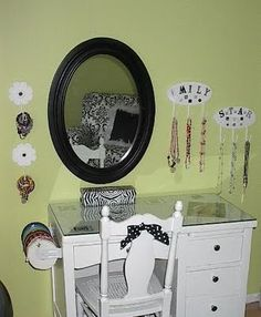 This a must! Makeover a simple desk & turn it into a girls vanity!!! <3