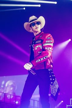 Find images and videos about top, wallpapers and BigBang on We Heart It - the app to get lost in what you love. Daesung, Top Bigbang, Baby Baby, Rapper, Top Choi Seung Hyun, G Dragon Top, Gd And Top, Big Bang Top, Korean Boy