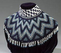 Cowan's Auctions: The Midwest's Most Trusted Auction House / Antiques / Fine Art / Art Appraisals Native American Regalia, Native American Photos, Native American Beadwork, Folk Clothing, Clothing Items, African Beauty, African Fashion, Turquoise Tassel Earrings, Zulu Warrior