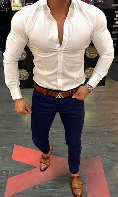 shldrs, slim waist, tailored shirt - ideal sexy looks Best Casual Wear For Men, Formal Men Outfit, Stylish Mens Outfits, Men Casual, Formal Dresses For Men, Men Formal, Mode Outfits, Fashion Outfits, Fashion Fashion
