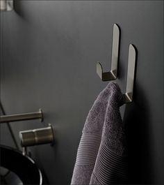 Contemporary black chrome bathroom accessories in brushed & polished finish including towel & robe hooks, toilet roll holders & soap dishes. Bathroom Fixtures, Bathroom Hooks, Robe And Towel Hooks, Black Toilet, Budget Bathroom Remodel, Modern Bathroom Decor, Bathroom Designs, Toilet Roll Holder, Bathroom Accessories