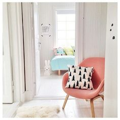 White-washed walls and a pastel palette make this sweet space so incredibly inviting.  Source: Flickr user thislittlelove_au