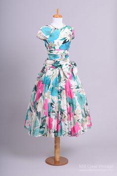 1980 Tropical Floral Vintage Party Dress : Mill Crest Vintage