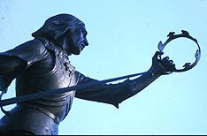 Statue of Richard III in Leicester, England.