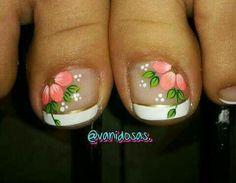 Uñas pies Cute Pedicure Designs, Toenail Art Designs, Feet Nail Design, New Nail Art Design, Pretty Toe Nails, Cute Toe Nails, Pedicure Nail Art, Toe Nail Art, Summer Toe Designs
