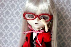 Hello   by Siniirr Wigs, Kitty, Glasses, Fashion, Little Kitty, Eyewear, Moda, Eyeglasses, Fashion Styles