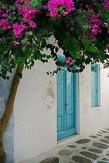 turquoise door. Totally having one of these one day