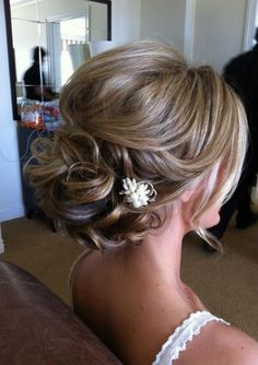 Bride hair idea, maybe take it half down for the wedding http://www.planningwedding.net/