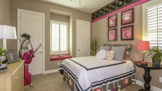 Awesome #girlsroom, at the Maplewood Court Summit Collection. It'll be a #tophit with the kids!
