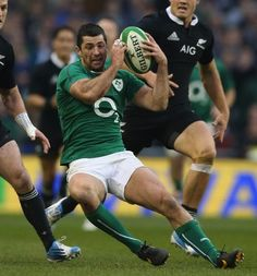 Rob Kearney of Ireland | The Top 40 Hottest Pairs Of Rugby Thighs