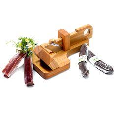Geschenkset mit Fleischhobel und feinem Fleisch | Bestswiss.ch Rind, Wooden Toys, Car, Kitchen, Wrapping Gifts, Packaging, Wooden Toy Plans, Wood Toys, Automobile