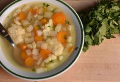 Gazpacho, Cheeseburger Chowder, Soup Recipes, Cantaloupe, Fruit, Ethnic Recipes, Food, Soups, Drinks