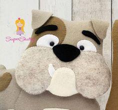 Felt pattern Bob & Eddy, softie pattern for a dog, plush pattern bulldog, pdf sewing pattern animal by Superskattig - Felt made crafts - Softie Pattern, Dog Pattern, Felt Owls, Felt Animals, Felt Patterns, Pdf Sewing Patterns, Softies, Toy Bulldog, Dog Quilts