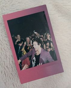Love Polaroid pictures if Harry
