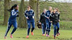 26-07-15 Ajax Vrouwen gaan weer beginnen - Ajax.nl