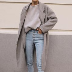 The Effective Pictures We Offer You About minimalist fashion basics A quality picture can tell you m Mode Outfits, Casual Outfits, Fashion Outfits, Fashion Fashion, Travel Outfits, Fashion 2020, High Fashion, Fashion Coat, Warm Outfits