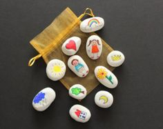 Story stones/ Waldorf and Montessory toys/ by ErnstandAlma on Etsy