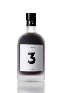 label design for the new line of spirits of Gargalo: liqour café | typography / graphic design: the dieline |