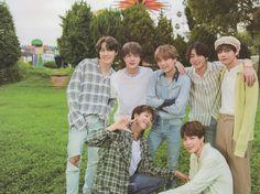 Bts Group Picture, Bts Group Photos, Group Pictures, Bts Pictures, Bts Taehyung, Bts Bangtan Boy, Bts Summer Package, Bts Lyric, Twitter Bts
