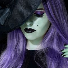 Metallic Glam Witch Halloween makeup Metallic Glam Witch Halloween makeup Source by Halloween Makeup Witch, Looks Halloween, Halloween Cosplay, Halloween Diy, Halloween Costumes, Halloween Dress, Halloween Stuff, Vintage Halloween, Purple Witch Makeup