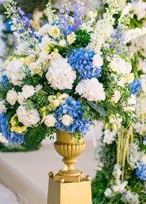 Classic Gold & White Mallorca Wedding