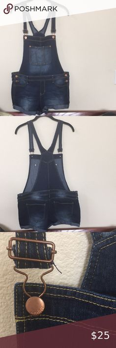 NWOT No Boundaries Jean Overall Shorts Juniors Size Large Super cute for summer. New and never worn No Boundaries Jeans Overalls Plus Fashion, Fashion Tips, Fashion Design, Fashion Trends, Jean Overalls, Overall Shorts, Super Cute, Best Deals, Jeans
