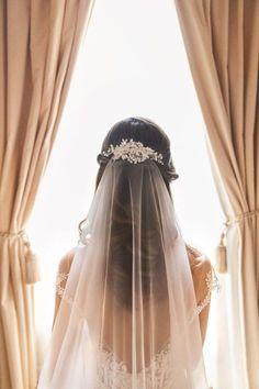 Wedding Veils With Hair Down, Veil Hair Down, Simple Wedding Veil, Simple Veil, Gorgeous Wedding Dress, Beautiful Bride, Boho Wedding, Wedding Gowns, Tulle Wedding