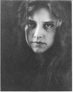 Study - Miss R. by Alvin Langdon Coburn - 1904
