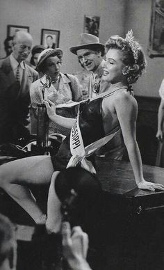 "marilyn-monroe-collection: "" Marilyn Monroe on the set of We're Not Married, 1952. """