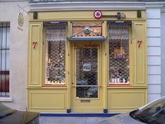 Collette in Paris, Edinburgh and other places....: My Favourite Shop Front in Paris: Bernard Sylvain, Rue de Bearn