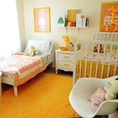 Muitos quartos de crianças e adultos.