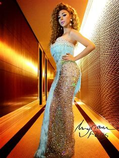 Myriam Fares provoke controversy a transparent dress in a private wedding in Qatar