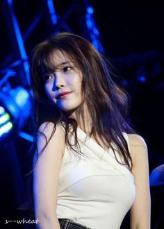 IU very beautiful and she was very beautiful voice and smile and eyes. She the best singer and danser in Korea. Korean Celebrities, Beautiful Celebrities, Kpop Girl Groups, Kpop Girls, Korean Beauty, Asian Beauty, Korean Girl, Asian Girl, K Idol