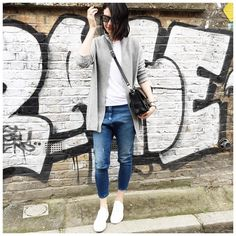 """Style By Aggie auf Instagram: """"Hello, spending the day meandering in East London. The street art here is so cool. Have a fab weekend everyone  shop the look by signing up to @liketoknow.it www.liketk.it/1KnOH #liketkit"""""""