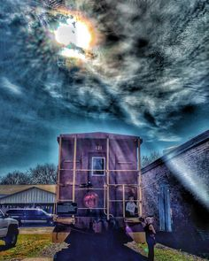 Oh What a Beautiful Morning!  #murfreesboro #mtsu #cannonsburghvillage #countrychristmas #pioneervillage #pioneers #1800s #trains #southernchristmas #christmasinthesouth #nashvilletn #tennessee_life #smalltownlife #smalltown #nineteenthcentury #train_nerds #nashvillestyle #musiccity #sunlovers #southern #southernliving #nashvilleliving #streetphotography #traintracks #americanhistory #nashvillegram #igerstennessee #tennesseechristmas #middletennessee #architexture