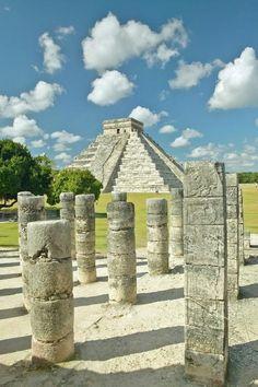 Chichen Itza, Mexico – El Castillo and the Temple of a Thousand Warriors