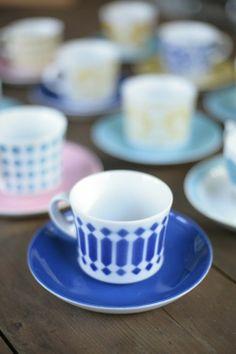 MARIA / DG: INTERIOR MANIA collection of old Arabian puhalluskoristeisia coffee cups.