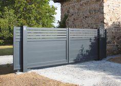 Twinslide : coulissant à 2 vantaux - Portaleco Front Gate Design, Main Gate Design, House Gate Design, Fence Design, Sliding Fence Gate, Front Gates, Electric Sliding Gates, Plot Beton, Wooden Main Door Design
