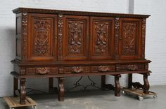 BEAUTIFUL CARVED WALNUT DINING ROOM SET SIDEBOARD - 14BE6328A