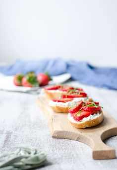 Strawberry Ricotta Crostini with Fresh Herbs - yum.  via @castrawberries #ad #KidsCookOff