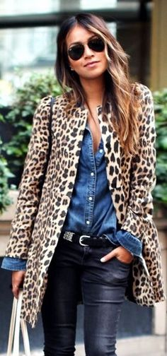 Perfect Autumn style. Leopard coat, denim shirt, jeans and rayban aviators. Effortlessly fashionable