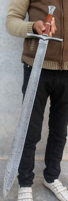 Damascus Steel Sword Huge Gladious Custom Hand Forged Viking Double Edge Daggar Sword For survival Tool Camping and Bushcraft Swords And Daggers, Knives And Swords, Damascus Steel Sword, Damascus Knife, Cool Swords, Beil, Sword Design, Arm Armor, Fantasy Weapons