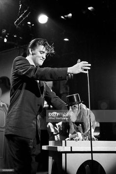 Alfred Wertheimer/Getty Images American musician Elvis Presley... News Photo | Getty Images