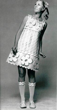 Courreges, 1967. 1960s fashion images