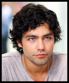 Adrian Grenier...the leading hunk in one of my favorite chick flicks from the 90s. :D  Drive Me Crazy...and now that I think of it....he was also in the Devil Wears Prada...