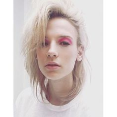 My hair and makeup for Niamh Gray shoot @stormmodels #behindthescenes rocking a colour splash on eye with @urbandecaycosmetics neon pink  @condenastcollegelondon #lanmakeup #lanslondon #makeupoftheday #rockingout #pink