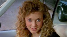 Хизер Грэм снова ягодка! Знаменитая блондинка до сих пор остается одной из самых востребованных голливудских актрис. Хизер хоть и соблазнительная ягодка, но по-прежнему одинока. «Я предпочитаю быть счастливой одиночкой, чем несчастной в браке» - заявляет сексапильная блондинка. И продолжает наслаждаться жизнью. 29 января Хизер Грэм отмечает 45-летний юбилей.