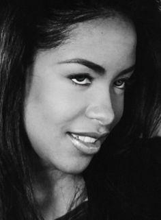 Aaliyah Aaliyah Miss You, Aaliyah Style, Her Music, Music Is Life, Black Is Beautiful, Beautiful People, Rip Love, Still Miss You, Aaliyah Haughton