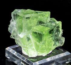 Glassy Green Fluorite Mineral Specimen from Xianghuapu Mine, China